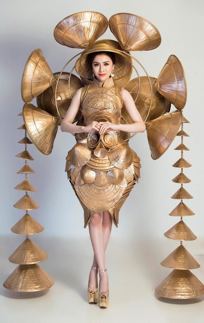 Cận cảnh Trang phục sinh thái Thư Dung đem đi tranh tài tại Miss Eco International 2018 - Ảnh 2.