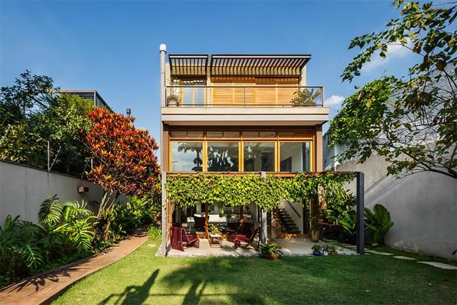 Ngôi nhà nhiều không gian xanh mát này sẽ khiến bạn muốn lịm tim ngay khi nhìn thấy - Ảnh 2.