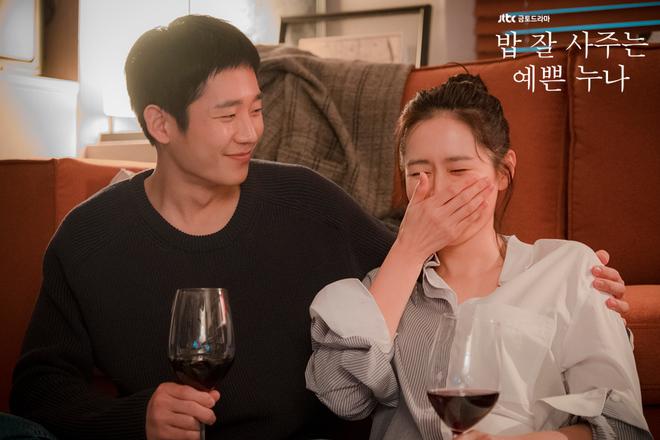 Chị Đẹp ngọt ngào quá mức cho phép, fan phim Hàn tỉnh táo nên lo... một kết thúc buồn đi là vừa! - Ảnh 11.