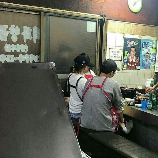 Vợ chồng Song Joong Ki - Song Hye Kyo sang Mỹ hẹn hò? - Ảnh 3.