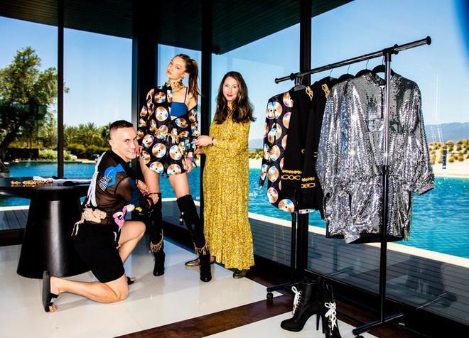 Moschino chính là cái tên mới nhất mà H&M chọn mặt gửi vàng để kết hợp cùng cho năm nay - Ảnh 1.