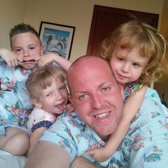 Người cha đồng tính nhận nuôi 4 con khuyết tật suốt 10 năm: Họ hỏi rằng con tôi cũng sẽ bê đê à hay tôi làm thế chỉ vì tiền - Ảnh 3.