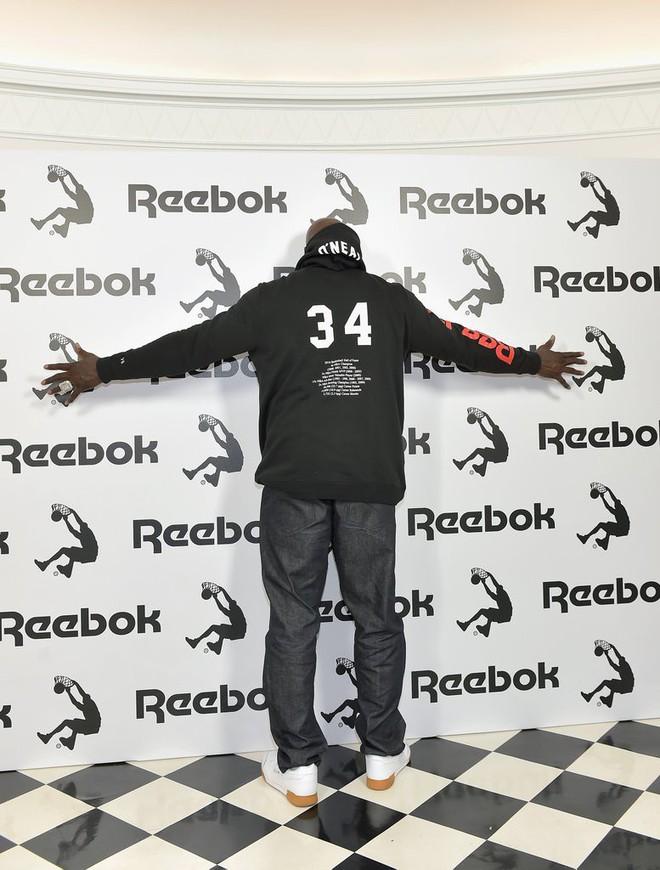 Sau một thời gian chờ đợi, cuối cùng các fan cũng có cơ hội sở hữu thiết kế mà Victoria Beckham hợp tác cùng Reebok - Ảnh 6.