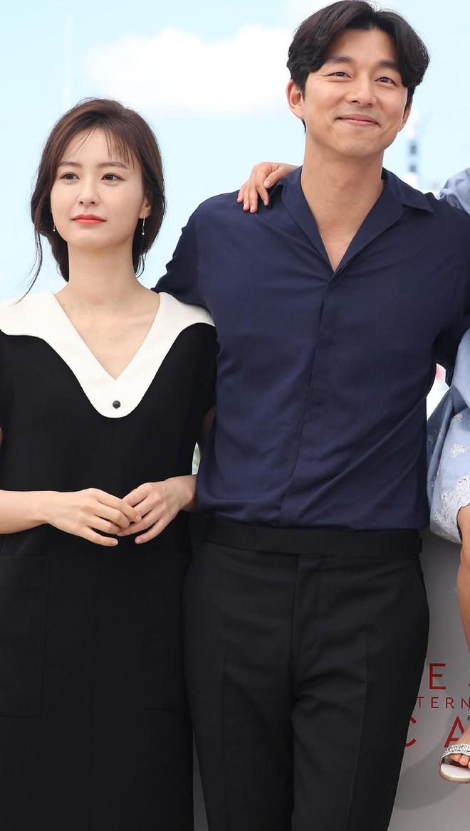 Báo Hàn tiết lộ sắp có một cặp đôi mới được khui, netizen gọi tên Son Ye Jin, Jung Hae In và So Ji Sub - Ảnh 4.