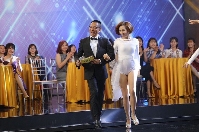 Nhà báo Lại Văn Sâm hóa bố già chất lừ bên Hoa hậu Kỳ Duyên  - Ảnh 8.