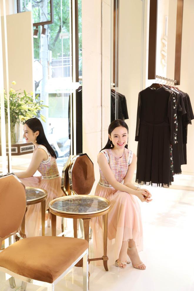 Angela Phương Trinh bất ngờ kín đáo, thanh lịch như quý cô - Ảnh 2.