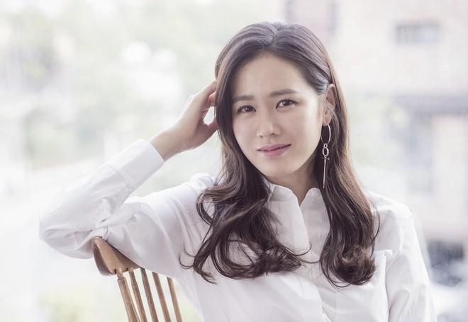 Hóa ra bí quyết để được thanh xuân ưu ái của chị đẹp Son Ye Jin đơn giản chỉ có vậy - Ảnh 10.