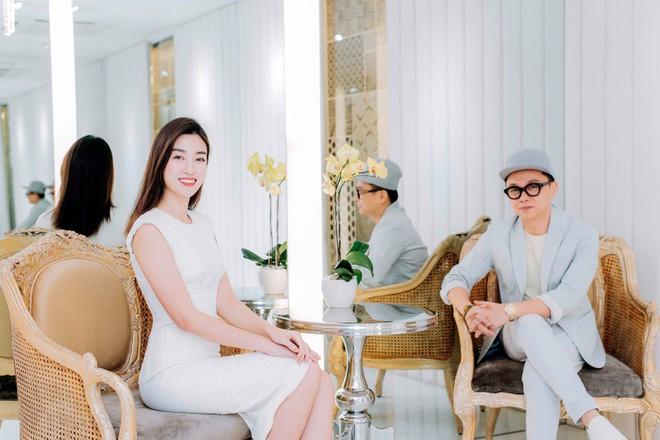 Angela Phương Trinh bất ngờ kín đáo, thanh lịch như quý cô - Ảnh 4.