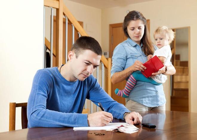 Nếu muốn trời yên biển lặng gia đình êm ấm, các cặp vợ chồng nhất định phải tránh những điều này - ảnh 1