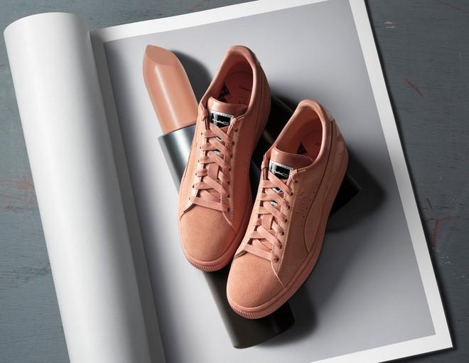 Kết hợp cùng Puma, MAC cho ra mắt loạt son cùng màu với giày đẹp cực phẩm  - Ảnh 5.