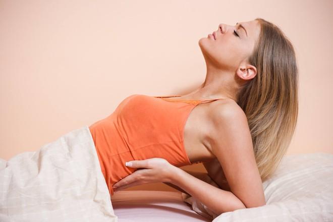 6 dấu hiệu cảnh báo sức khỏe đang gặp vấn đề mà bạn nên khắc phục ngay - Ảnh 1.