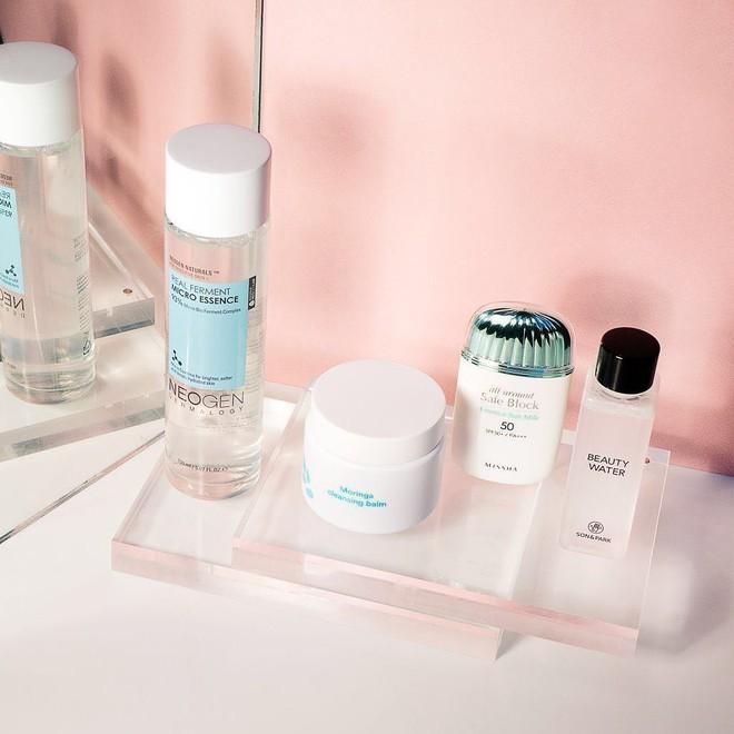 Đâu cần phức tạp hóa, chuyên gia trang điểm chỉ nhắc bạn hãy duy trì 4 thói quen đơn giản sau để giữ da khỏe đẹp - Ảnh 3.