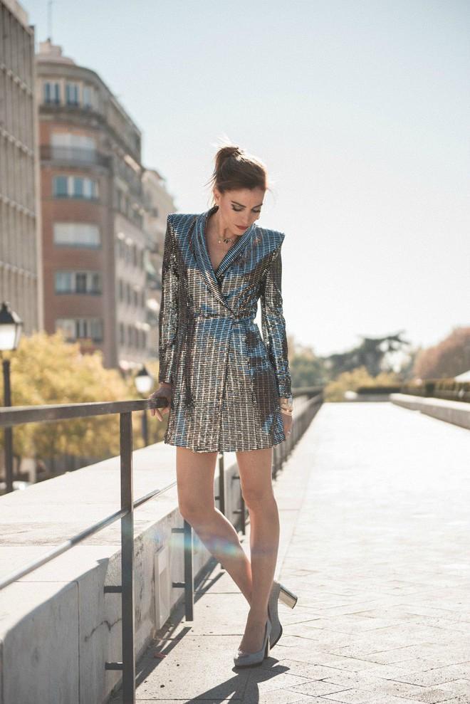 Một bộ đầm của Zara giá 2,5 triệu mà cả Võ Hoàng Yến, Mâu Thủy và loạt sao Hollywood thi nhau diện - Ảnh 7.