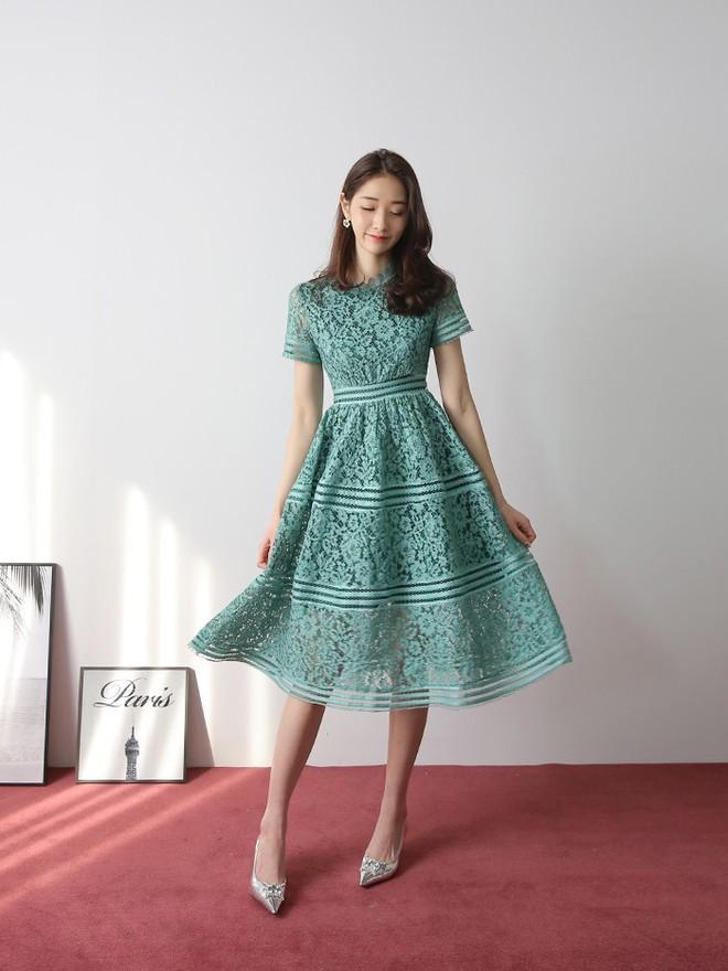 Thú nhận đi nào, có phải cứ đến hè là các nàng lại mê mệt 7 mẫu váy liền siêu xinh này - Ảnh 16.