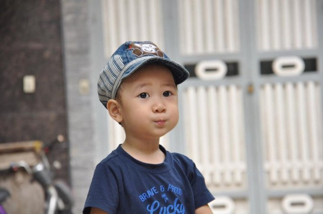 Quang Minh, em bé 4 tuổi chiến đấu với bệnh ung thư máu bằng tất cả niềm lạc quan đã ra đi mãi mãi - Ảnh 2.