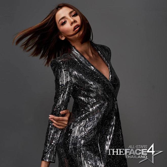 Một bộ đầm của Zara giá 2,5 triệu mà cả Võ Hoàng Yến, Mâu Thủy và loạt sao Hollywood thi nhau diện - Ảnh 5.