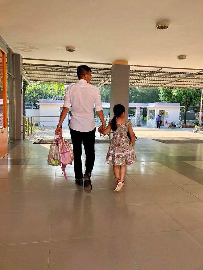 Thủy Tiên nói về con gái Bánh Gạo: Không muốn con nổi tiếng sớm vì sợ thái độ của một số sao nhí bây giờ - Ảnh 2.