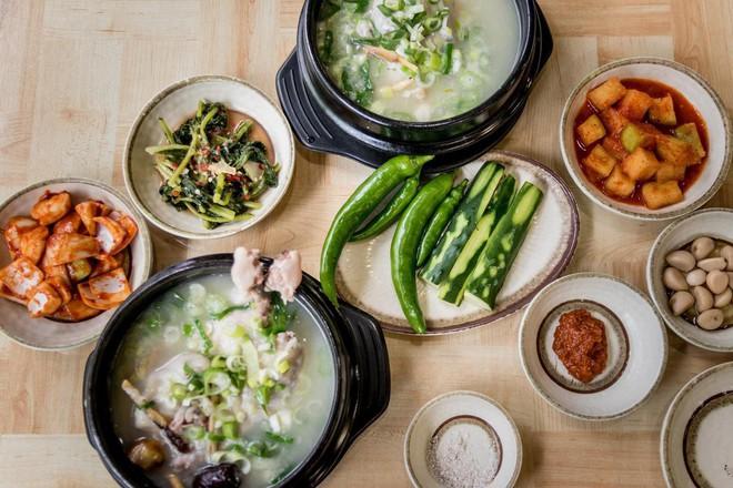 Ngày hè nóng nực nhưng người Hàn Quốc vẫn chuộng món ăn nóng hổi này bởi lý do ít ai đoán được - Ảnh 7.
