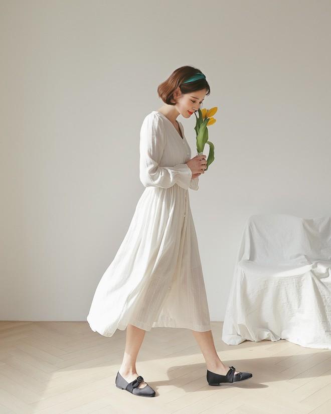 Những chiếc váy vải thô đũi xinh xẻo này sẽ món đồ cực hợp diện cuối tuần  - Ảnh 1.