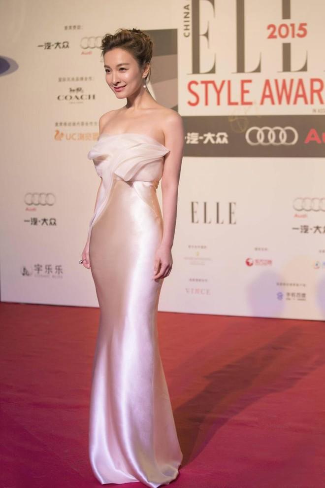 Sở hữu nhan sắc và thần thái hạng A showbiz, nhưng Taylor Swift - Dương Mịch - Min Hyo Rin đều có cùng một góc chết? - Ảnh 19.