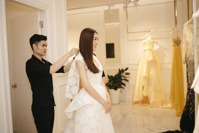 Gác lại ồn ào tình ái, Nhã Phương vẫn vui vẻ đi thử đồ cho show diễn của NTK Lê Thanh Hòa - Ảnh 7.