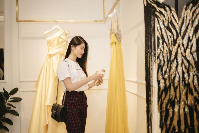 Gác lại ồn ào tình ái, Nhã Phương vẫn vui vẻ đi thử đồ cho show diễn của NTK Lê Thanh Hòa - Ảnh 8.