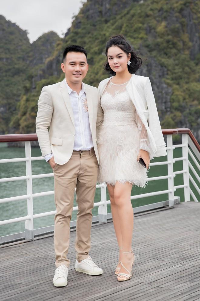 Nhã Phương, Đông Nhi, Phạm Hương cùng dàn sao khoe sắc tại show diễn giữa Vịnh Hạ Long của NTK Lê Thanh Hòa - Ảnh 6.