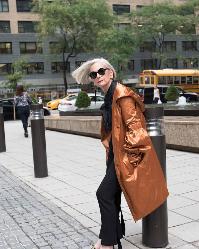 Cụ bà trở thành biểu tượng thời trang tuổi 64 và câu chuyện danh tiếng ập đến theo cách không thể ngờ tới - Ảnh 6.