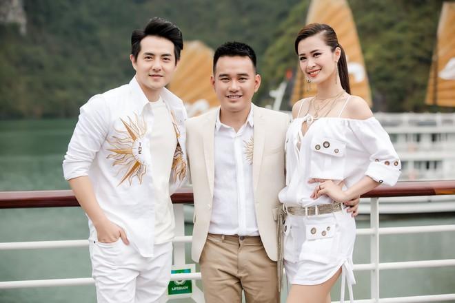 Nhã Phương, Đông Nhi, Phạm Hương cùng dàn sao khoe sắc tại show diễn giữa Vịnh Hạ Long của NTK Lê Thanh Hòa - Ảnh 10.