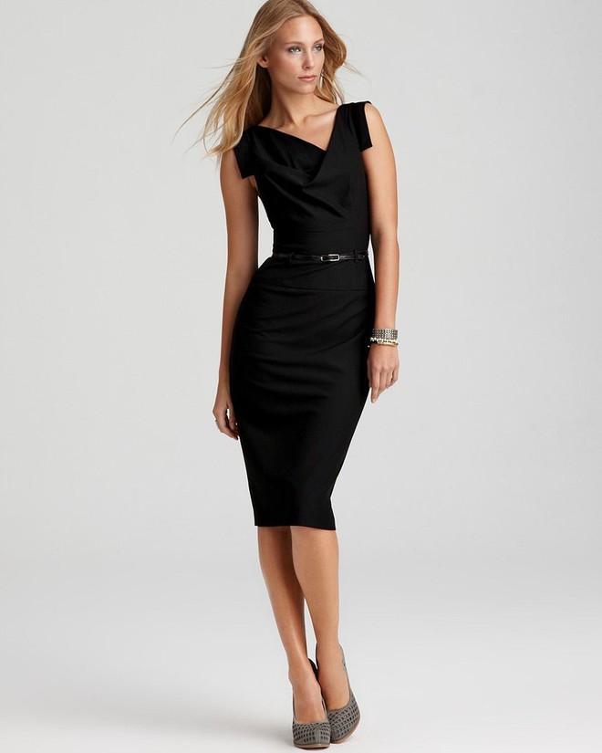 Meghan Markle đẳng cấp ngời ngời dù diện lại thiết kế váy đã được loạt sao khác mặc từ chục năm trước - Ảnh 3.