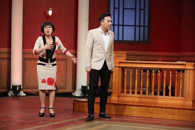 Trấn Thành, Việt Hương tranh cãi kịch liệt quanh chuyện đàn ông bị phụ nữ siết tiền - Ảnh 2.