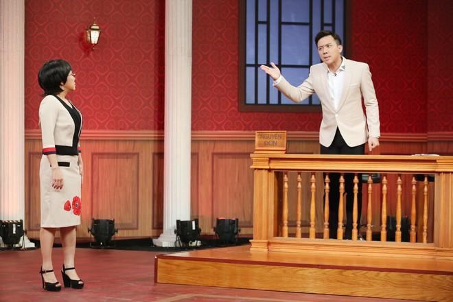 Trấn Thành, Việt Hương tranh cãi kịch liệt quanh chuyện đàn ông bị phụ nữ siết tiền - Ảnh 3.