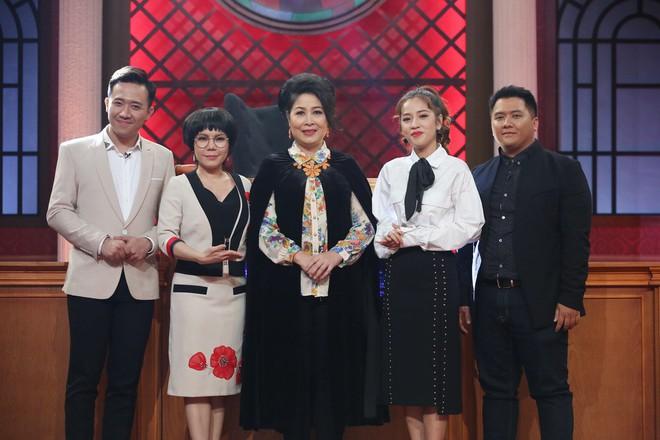 Trấn Thành, Việt Hương tranh cãi kịch liệt quanh chuyện đàn ông bị phụ nữ siết tiền - Ảnh 1.