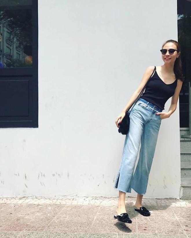 Ai cũng biết lý do Đàm Thu Trang không hay đi giày cao gót, nhưng rõ ràng người đẹp kết hợp giày/dép bệt rất đúng trend - Ảnh 13.