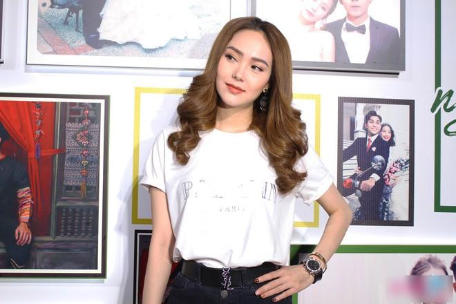 Gần 1 tháng sau clip livestream lộ cằm dài ngoằng, nhan sắc hiện tại của Minh Hằng trông ra sao - Ảnh 9.