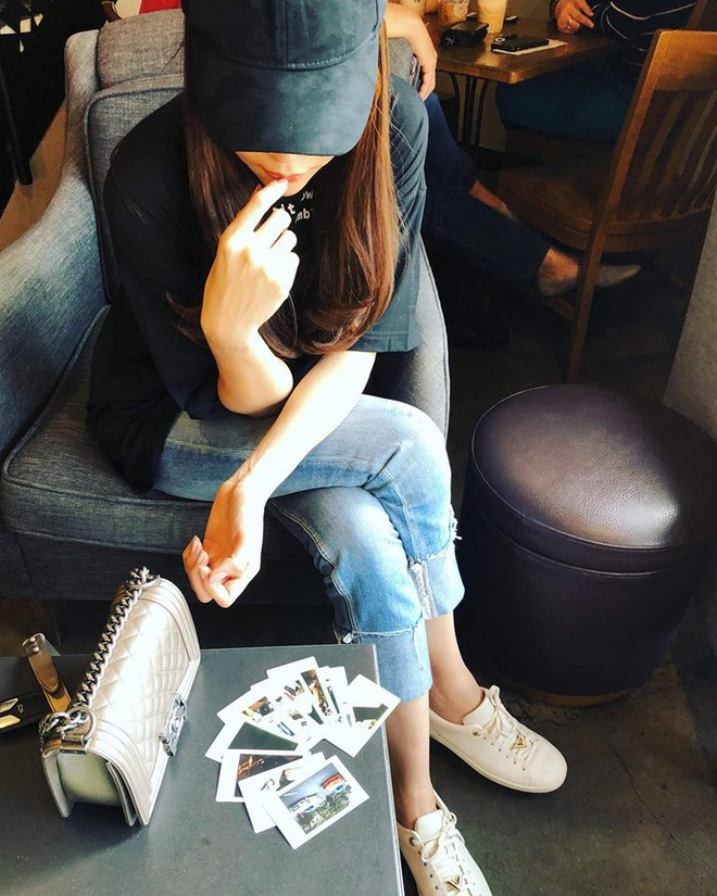 Ai cũng biết lý do Đàm Thu Trang không hay đi giày cao gót, nhưng rõ ràng người đẹp kết hợp giày/dép bệt rất đúng trend - Ảnh 2.