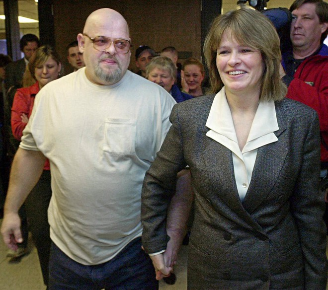 Biết anh trai vào tù oan vì tội giết người, cô đã bỏ ra 13 năm học luật và đã làm được một điều không tưởng - Ảnh 5.