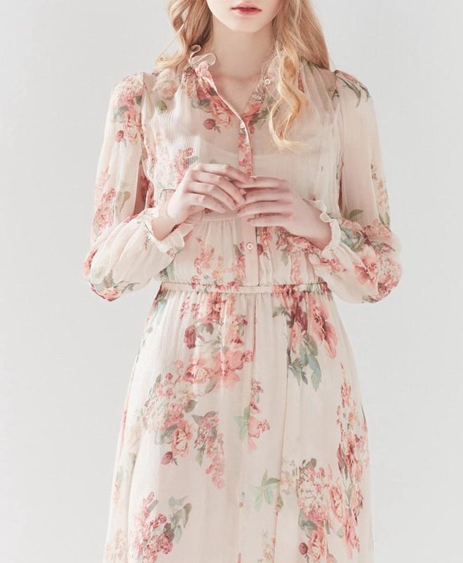 Các shop tại Hàn Quốc rầm rộ bán váy nhái váy chị đẹp Son Ye Jin với giá chỉ 2 triệu VNĐ, dân tình lùng mua ầm ầm - Ảnh 2.
