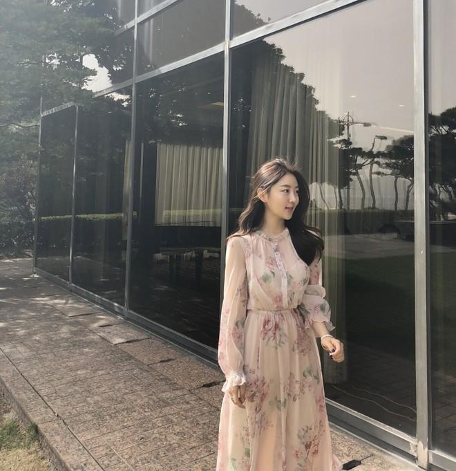 Các shop tại Hàn Quốc rầm rộ bán váy nhái váy chị đẹp Son Ye Jin với giá chỉ 2 triệu VNĐ, dân tình lùng mua ầm ầm - Ảnh 3.