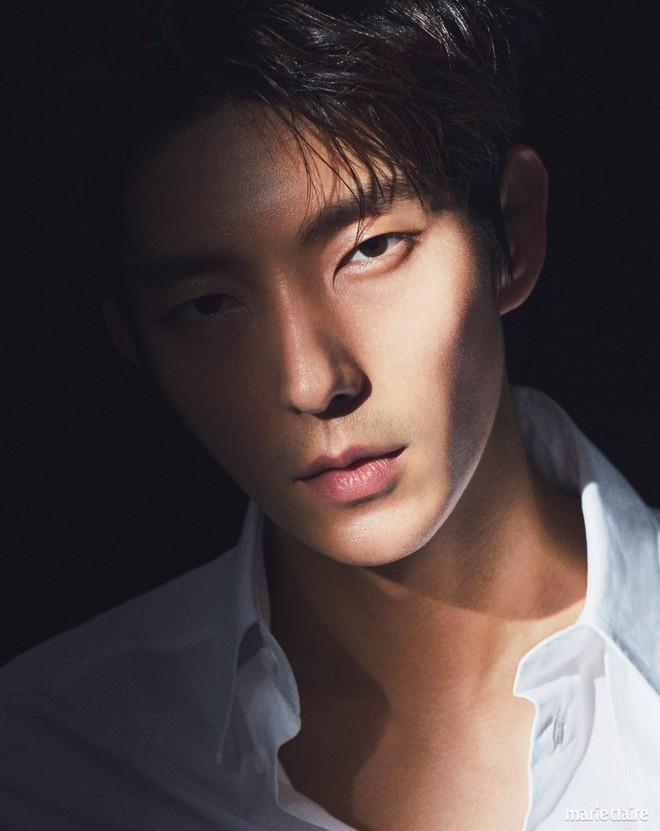 Khác một trời một vực với ảnh tạp chí, tài tử Lee Jun Ki gây hốt hoảng với cằm nhọn nhô ra như lưỡi cày - Ảnh 16.