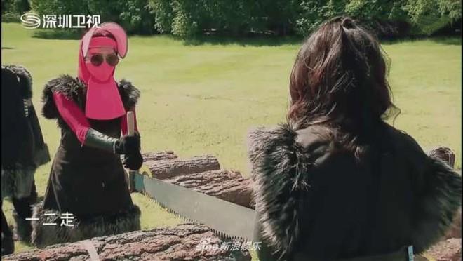 Phạm Băng Băng xứng danh Nữ hoàng chống nắng khi khoe loạt phụ kiện còn hơn cả Ninja Lead - Ảnh 7.