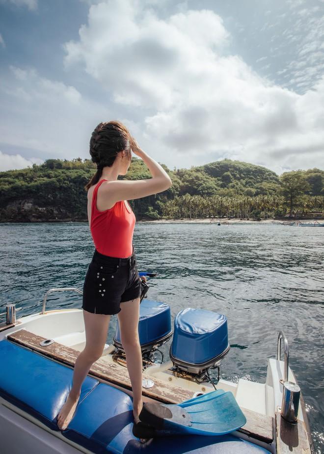 Nghỉ lễ đi biển, cứ lên đồ với 5 combo này thì chụp ảnh sống ảo chỉ có đẹp trở lên - Ảnh 16.