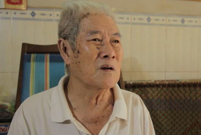 Chuyện về nghệ sĩ 86 tuổi vẫn đi bán vé số khiến Trấn Thành - Cẩm Ly xúc động mạnh  - Ảnh 2.
