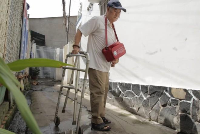 Chuyện về nghệ sĩ 86 tuổi vẫn đi bán vé số khiến Trấn Thành - Cẩm Ly xúc động mạnh  - Ảnh 5.