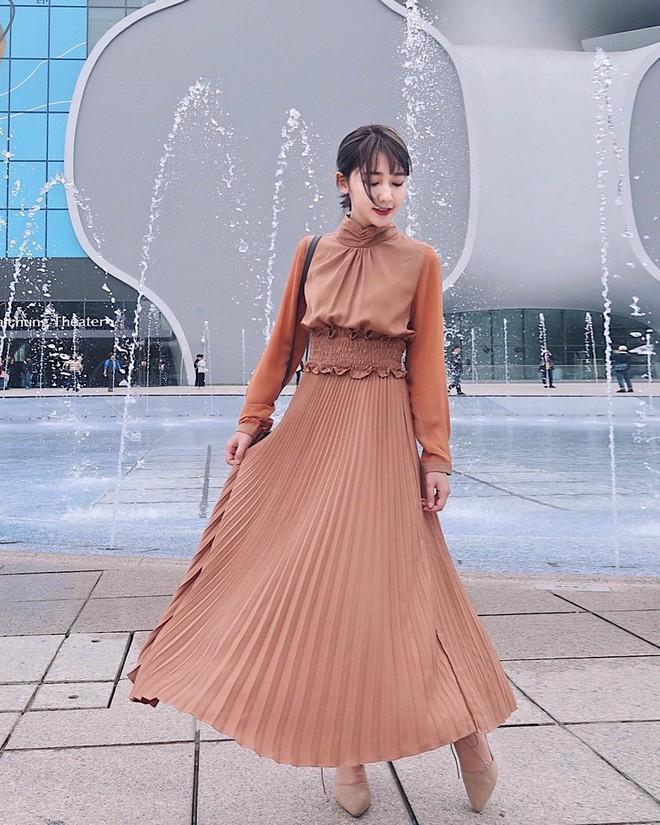 Mùa hè là phải mặc váy dáng dài, nhưng mặc sao cho đẹp thì đây là 5 bí kíp bạn cần bỏ túi - Ảnh 2.