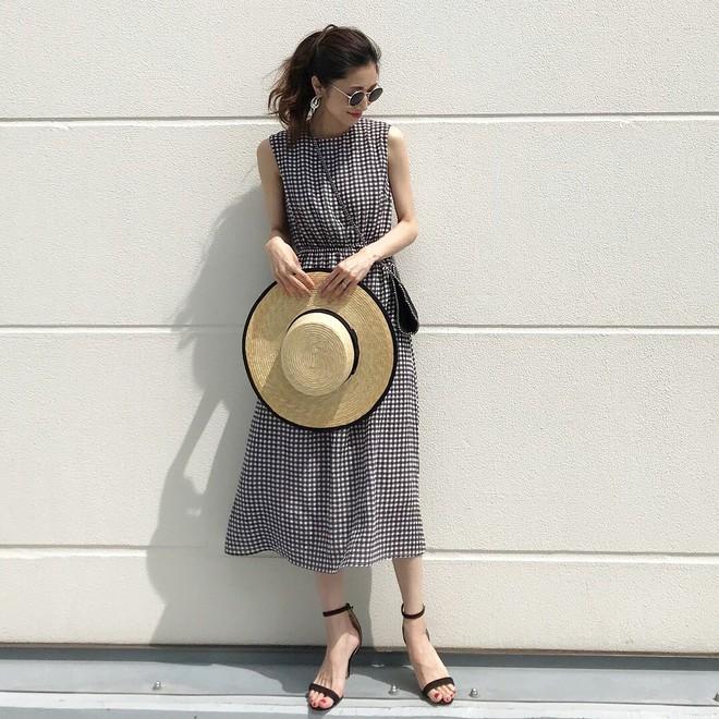 Mùa hè là phải mặc váy dáng dài, nhưng mặc sao cho đẹp thì đây là 5 bí kíp bạn cần bỏ túi - Ảnh 14.