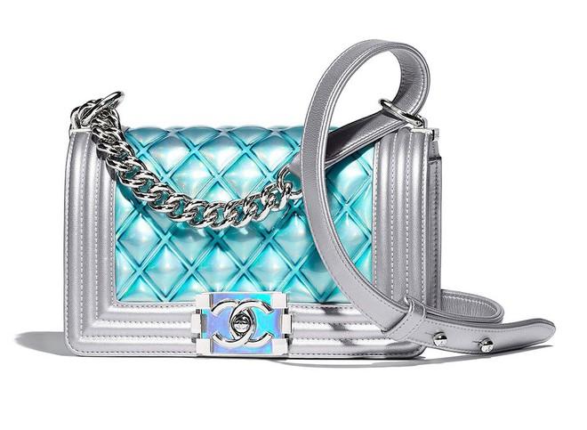 Mai Phương Thuý lại chứng tỏ độ chịu chơi khi bỏ hơn 300 triệu mua liền tay 3 chiếc túi Chanel - Ảnh 4.