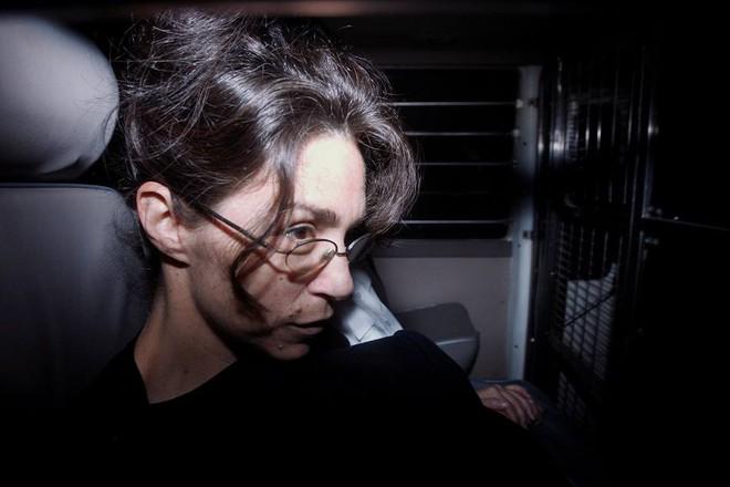 """Vụ án """"sát thủ sữa lắc chấn động Hồng Kông: Vợ lợi dụng con gái, đầu độc chồng bằng ly sữa và đánh đập nạn nhân dã man - Ảnh 3."""