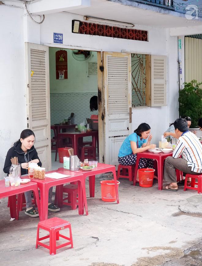 Đi một vòng Sài Gòn ghé 6 quán bánh canh siêu ngon mà giá bình dân, ăn một lần là thương nhớ - Ảnh 14.