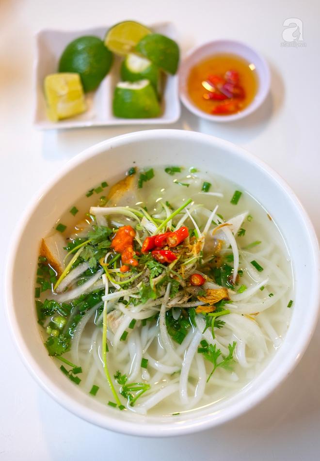 Đi một vòng Sài Gòn ghé 6 quán bánh canh siêu ngon mà giá bình dân, ăn một lần là thương nhớ - Ảnh 20.